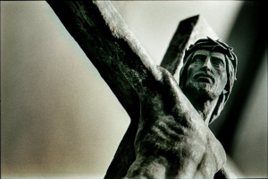 crucified_christ_pourleweb